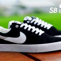Sepatu Pria Nike SB Blazer Black List White Running Sport