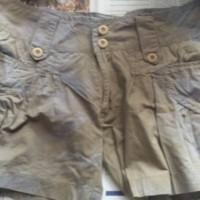 Celana Pendek Nevada Abstrak