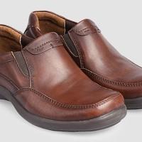 Sepatu Pantofel Pria Yongki Komaladi Kulit Asli Model Slip On Loafers