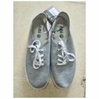 Sepatu Kets Rubi