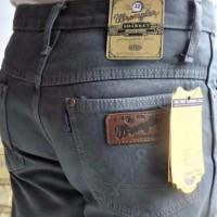 terbaru Celana jeans Wrangler grey pria